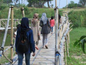 Jembatan Menuju Pantai Bajul Mati