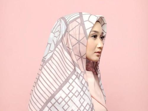 Baju Lebaran Wanita dian pelangi